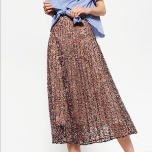 Zara Floral Printed Lace Pleated Skirt Small